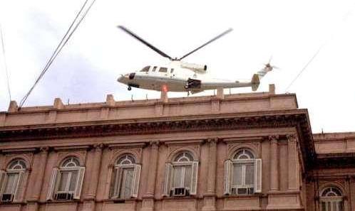 argentinazo-el-presidente-de-la-rua-huye-en-helicoptero